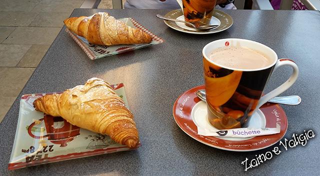 croissant caffè