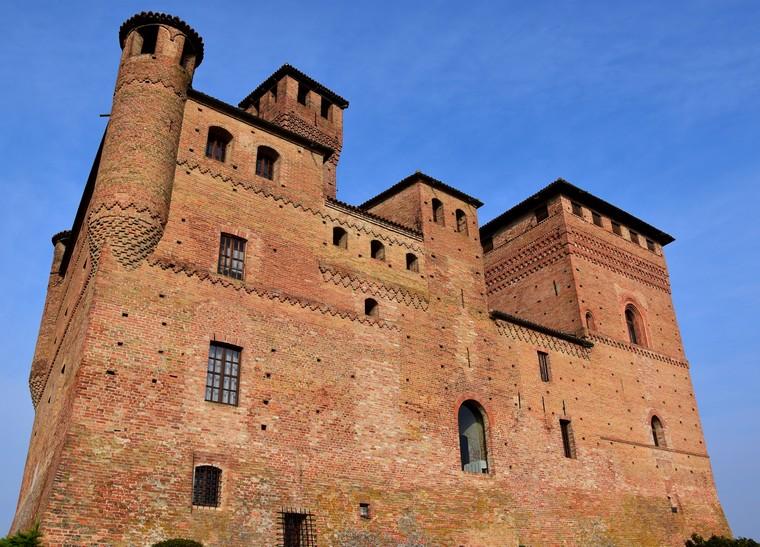 grinzane cavour castello