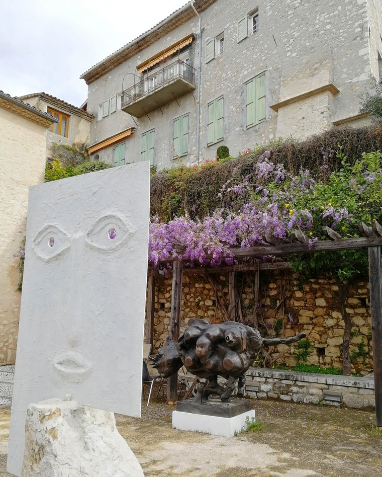 saint paul de vence sculture