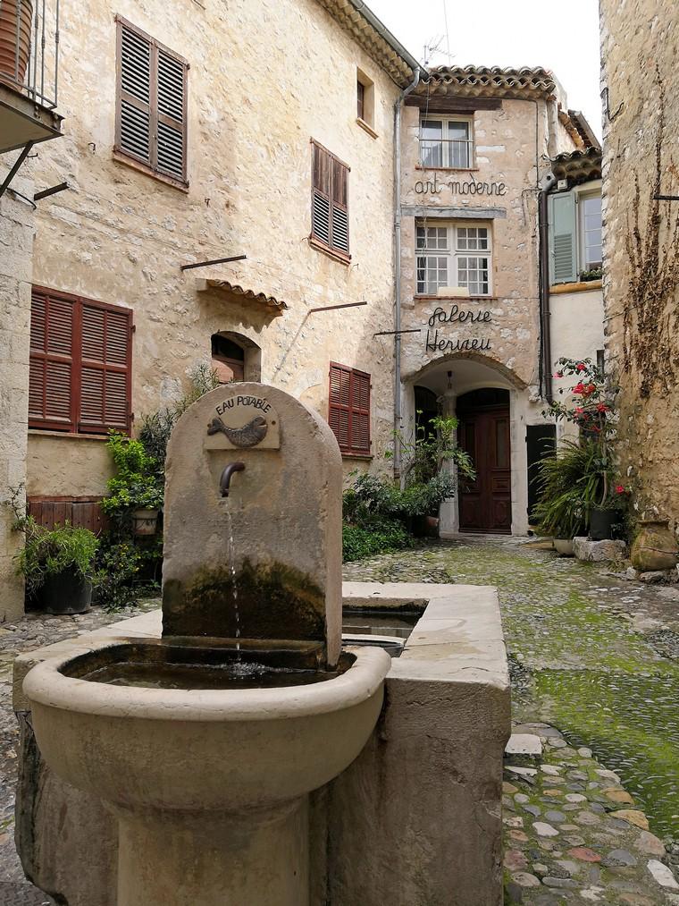 saint paul de vence fontana