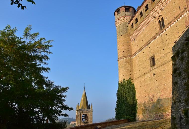 serralunga d'alba castello