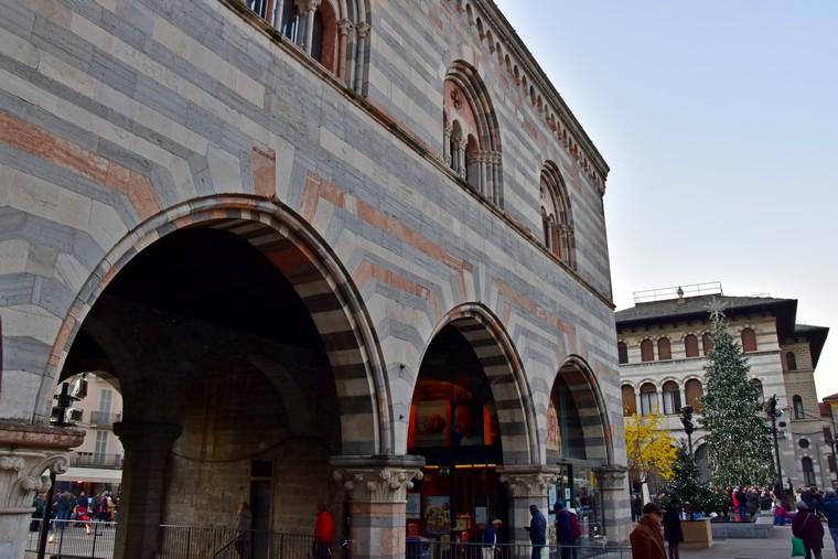 piazza grimoldi como