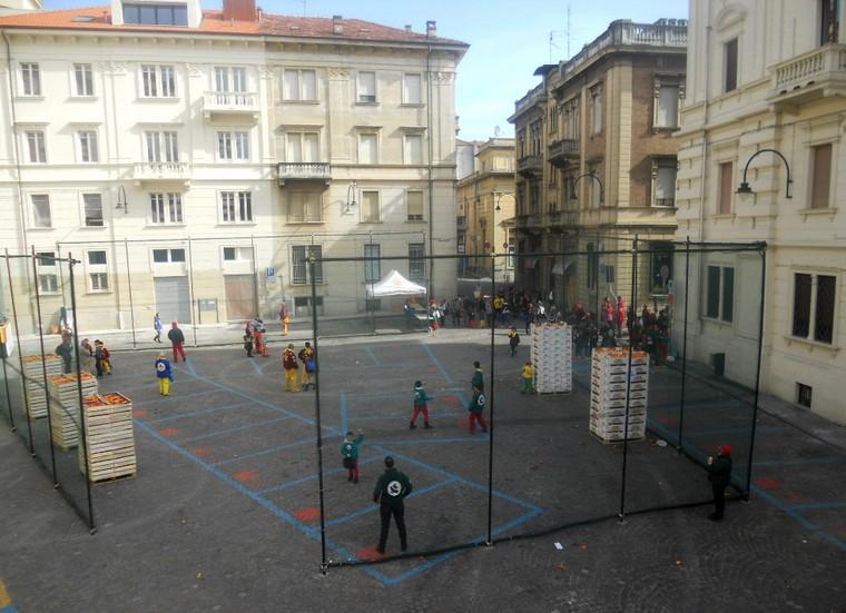 piazza ivrea arance